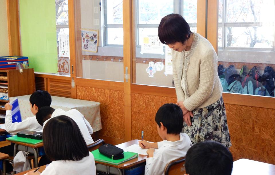 2016年11月25日鳴鹿小学校三年生の教室で行った出前授業の様子3
